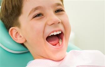 هل وصل طفلك لعمر 6 سنوات؟.. زيارة واحدة لطبيب الأسنان تغني صغيرك عن مشكلات كبيرة