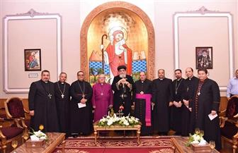 الكنيسة الأسقفية تهنئ البابا تواضروس بعيد القيامة | صور