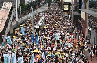 عشرات الآلاف يتظاهرون في هونج كونج احتجاجا على مقترحات لتسليم مطلوبين للصين