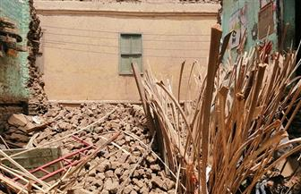 ربة منزل تحت الأنقاض وإصابة 4 أشخاص في انهيار منزل غرب أسيوط