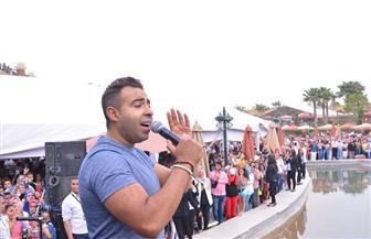 محمد عدوية يشعل حفل شم النسيم في مصر الجديدة| صور