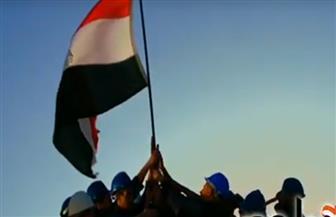 """الرئيس السيسي يشاهد فيلما تسجيليا بعنوان """"بناة مصر"""" خلال احتفالية عيد العمال"""