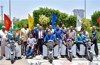 رئيس جامعة بني سويف يسلم أجهزة تعويضية للطلاب ذوي الإعاقة  صور