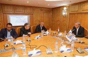 محافظ قنا يلتقي مدير ميناء سفاجا لتعزيز التعاون | صور