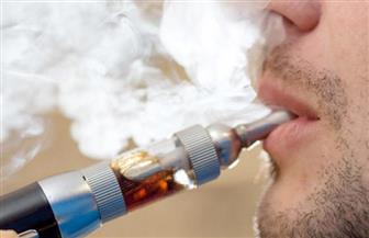 خبير أمراض صدرية : السجائر الإلكترونية تؤدى إلى إصابات شبيهة بفيروس كورونا