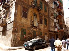 انهيار جزئي لعقار بالإسكندرية | صور