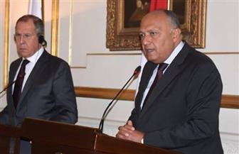 سامح شكرى: ندعم الحلول السياسية في ليبيا وندعو جميع الأطراف لضبط النفس