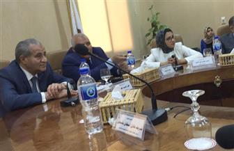 محافظ الوادى الجديد يستعرض المشروعات التنموية بالمحافظة بحضور وزير التموين