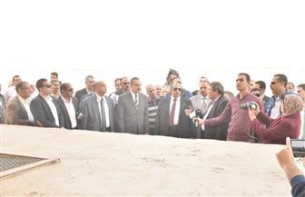 وزير الزراعة ومحافظ أسيوط يتفقدان مشروع الثروة الحيوانية ببني سند بمنفلوط | صور