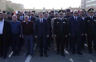 وزير الداخلية يتقدم جنازة شهيد الواجب في حادث النزهة