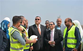رئيس جامعة بورسعيد يتفقد أعمال المرحلة الثانية لمستشفى الجامعة التخصصي