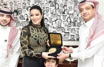 """ملتقى المرأة السعودية ينفي تكريم الفنانة سمية الخشاب بـ""""خاتم النبي"""""""