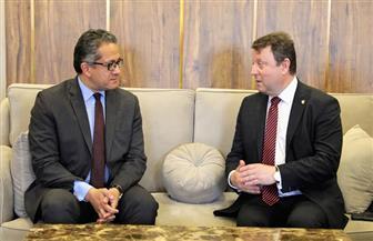 وزيرا الآثار المصري والتشيكي يبحثان التعاون وتبادل الخبرات الأثرية والمتحفية | صور