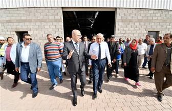 وزير الإسكان يتفقد مشروع المجمعات الصناعية الصغيرة والمتوسطة بمدينة العاشر من رمضان | صور
