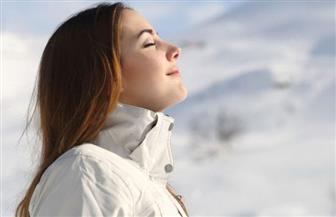 هل تعاني من ضيق التنفس في الأماكن المغلقة خلال الشتاء؟.. إليك الحل