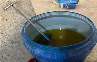 ضبط 2 طن صابون صناعي ومنظفات بمصنع بدون ترخيص بالفيوم| صور