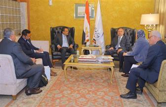 كامل الوزير يلتقي سفير سنغافورة بالقاهرة لبحث التعاون في مجال النقل البحري | صور
