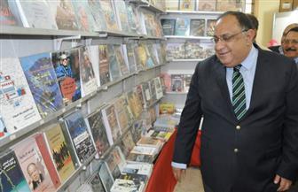 رئيس جامعة حلوان يفتتح معرض الكتاب بكلية الخدمة الاجتماعية| صور