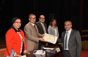 جامعة القاهرة تكرم مجموعة من أعضاء التدريس المنشورة أبحاثهم دوليا | صور