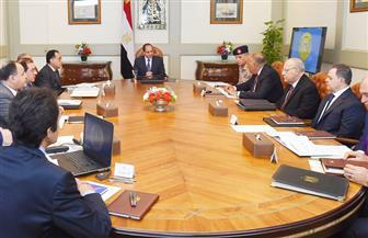 الرئيس السيسي يعقد اجتماعا مع رئيس الوزراء وكبار المسئولين لمتابعة توفير السلع الأساسية في رمضان