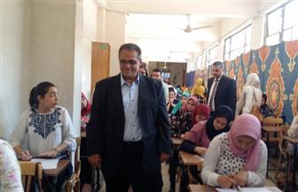 نائب رئيس جامعة عين شمس لشئون التعليم والطلاب يتفقد سير الامتحانات في كلية الآداب