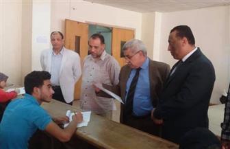 نائب رئيس جامعة طنطا يتفقد امتحانات نهاية العام بكلية الآداب| صور