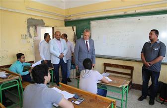 محافظ قنا يتفقد عددا من لجان امتحانات الشهادة الإعدادية.. ووكيل التعليم: لم نتلق شكاوى | صور