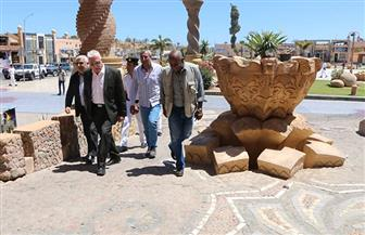 محافظ جنوب سيناء يشدد على توحيد طلاء المباني والحفاظ على هوية الطراز المعماري للسوق القديمة | صور