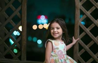 """والدة طفلة """"قمر هادي"""": نجاحها يعود للمخرج"""
