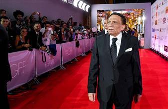 عادل إمام.. زعيم تربع على عرش السينما 40 عاما | صور