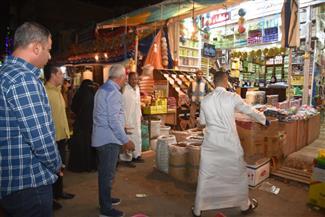 محافظ مطروح: يقود حملة لإزالة الإشغالات بمدينة مرسى مطروح
