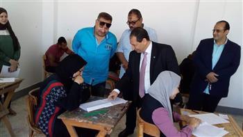 رئيس جامعة بورسعيد يتفقد سير أعمال الامتحانات بكلية التربية النوعية   صور