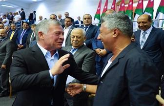 بحضور الملك عبدالله الثاني.. عمر العبداللات يغني في عيد العمال بالأردن| صور