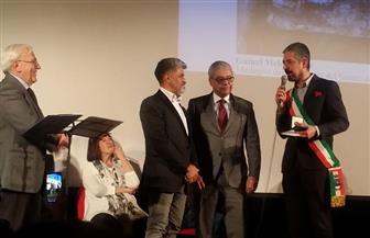 التشكيلي جمال مليكة يتسلم ميدالية السيناتو لرئيس جمهورية إيطاليا   صور