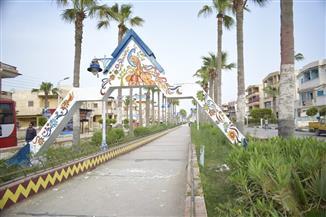 طلاب التربية النوعية بكفر الشيخ يحولون شوارع مصيف بلطيم للوحة فنية | صور