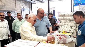 محافظ بورسعيد يطمئن على توافر المواد الغذائية بأسواق البازار ومحور صلا