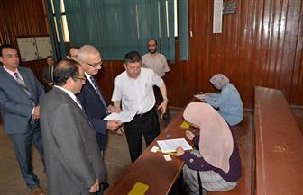 رئيس جامعة المنصورة يتفقد امتحانات الفصل الدراسي الثاني بكليات العلوم والهندسة والتربية | صور