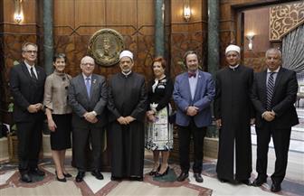 الإمام الأكبر مع رئيس مجلس الشيوخ الكندي: مستعدون للتعاون مع كندا التى تمثل نموذجا للتعايش والتسامح | صور