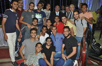 رئيس جامعة حلوان يشارك اتحاد الطلاب وعباقرة الجامعة حفل إفطار جماعي   صور
