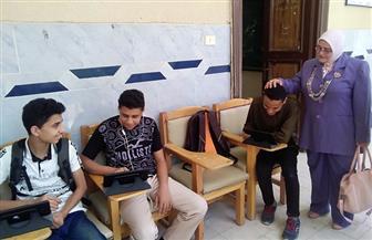 طلاب أولى ثانوي يؤدون امتحان الجغرافيا دون شكاوى فى كفر الشيخ | صور