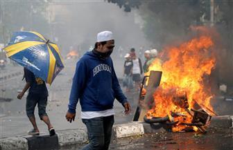 مثيرو الشغب يحرقون حافلتين إحداهما خاصة بالشرطة الإندونيسية في جاكرتا