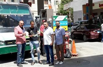 حملات بمحطات الوقود لتشجيع المواطنين على تحويل سياراتهم للعمل بالغاز الطبيعي