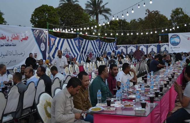 مستقبل وطن  بالسويس ينظم إفطارا جماعيا بعزبة الخشاينة