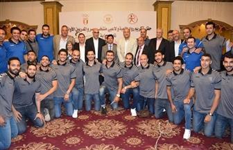 وزير الرياضة يشهد تكريم لاعبي مصر لكرة اليد   صور