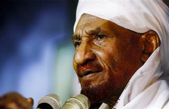 """السودان: جثمان الصادق المهدي يوارى الثرى في """"قبة الإمام المهدي"""""""