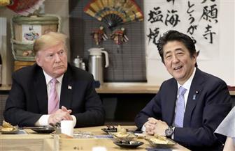 البيت الأبيض: ترامب أبلغ آبي بأنه أعظم رئيس وزراء في تاريخ اليابان