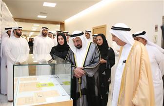 حاكم الشارقة يفتتح معرض الكتاب الإماراتي الأول.. ويدعمه بنصف مليون درهم | صور