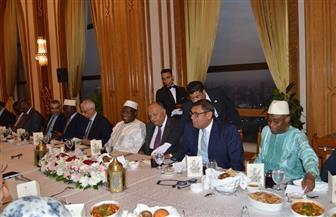 وزير الخارجية يعقد اجتماعا مع سفراء الدول الإفريقية ويقيم حفل إفطار رمضاني