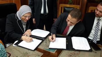 توقيع عقدين بالمصرية لنقل الكهرباء