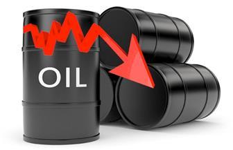 تراجع أسعار النفط بعد بيانات صينية ضعيفة وارتفاع المخزونات الأمريكية